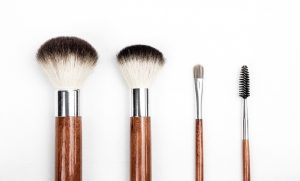 Read more about the article THE RIGHT WAY TO WASH MAKEUP BRUSHES
